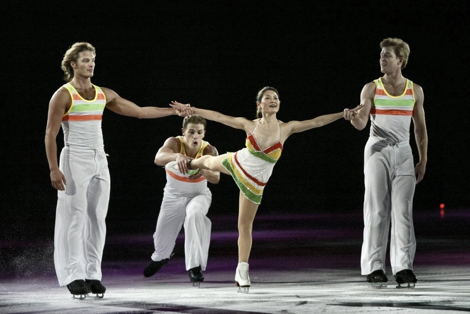 John Zimmerman, Timothy Goebel, Yuka Sato and Todd Sand ice skating
